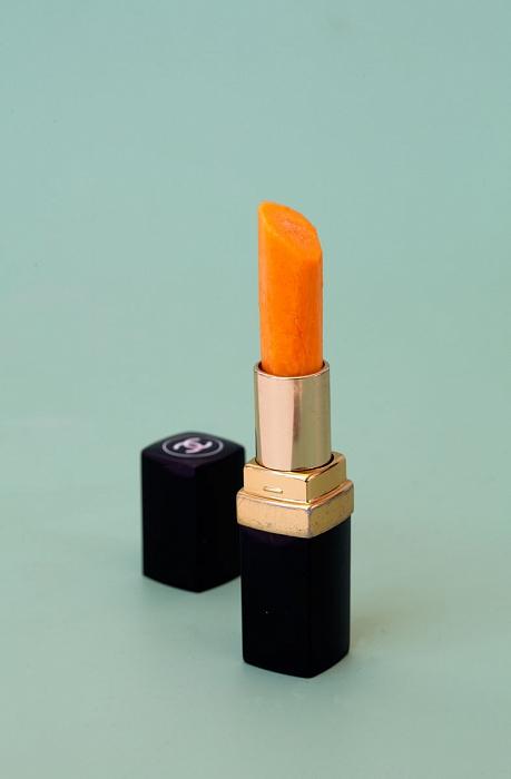 Sarah Illenberger carrot lipstick
